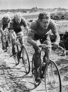 Parigi-Roubaix 1978, 16 aprile. Freddy Maertens (1952), Jan Raas (1952) e Roger De Vlaeminck (1947)