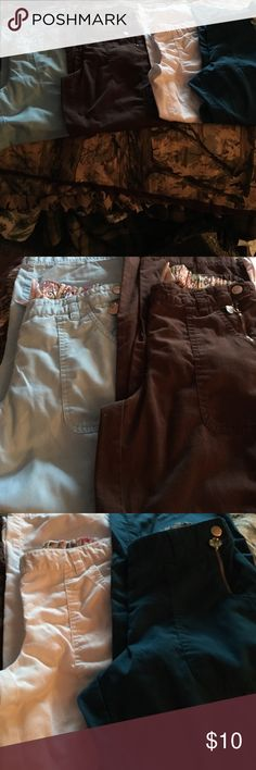 Koi Scrub Pant Small Petite GUC Good Used Condition Koi Sara Pant Light Blue Caribbean Blue & White brown is featured but not in this bundle This listing is also set up to buy one or more Maroon and Black Koi Pants