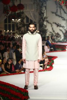 Varun Bahl - India Couture Week 2015 #Indian Fashion
