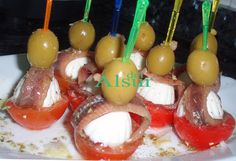 Aperitivos - Yak Tutorial and Ideas Finger Food Appetizers, Appetizers For Party, Appetizer Recipes, Tapas Dinner, Tapas Bar, Lunch Buffet, Appetisers, Antipasto, Caramel Apples
