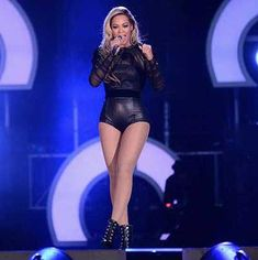 Beyonce in her yet another short outfit - too much or still ok?