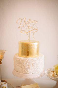 Hochzeitstorte in Creme und Gold Wedding cake in ivory and gold