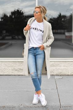 Jeans e maxi cardigan - My Style/ Fashion/Street Style - Roupas Ideias Outfit Jeans, Light Blue Jeans Outfit, Blue Jean Outfits, Mode Outfits, Fall Outfits, Casual Outfits, Winter Outfits Women 20s, Fashion Outfits, Fashion Tips