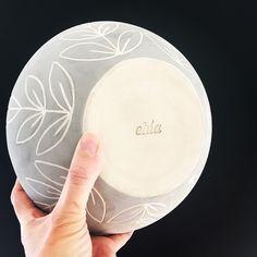 Ceramic Clay, Ceramic Pottery, Glaze Paint, Sgraffito, Cute Mugs, Pottery Painting, Wabi Sabi, Clay Crafts, Polymer Clay