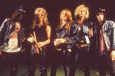 Slash Steven Adler Axl Rose Duff McKagan Izzy Stradlin