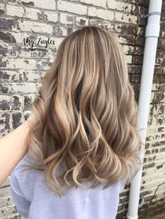 Blonde balayage and long layered haircut by Amy Ziegler # askforamy # versatile . - Blonde balayage and long layered haircut by Amy Ziegler # askforamy # versatilestra … - Layered Curly Hair, Long Layered Haircuts, Balayage Blond, Hair Color Balayage, Hair Colour, Brown Blonde Hair, Brunette Hair, Dark Blonde Hair With Highlights, Chunky Highlights