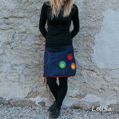 """..riflová balón-víceáčka II..od Lelisy Sukně je ušita z modré džínoviny, pas je všit do úpletu, v dolní části sukně je tunýlek, ve kterém je provlečena šňůrka, díky níž lze sukni nosit dle nálady buď jako áčkovou nebo stažením jako balónovou. Na předním díle je všitá kapsa a aplikace. Sukně je oproti sukním balón-áčka více """"áčková"""", tedy širší ... New Years Dress, Bomber Jacket, Denim, Jackets, Dresses, Fashion, Fabrics, Dressmaking, Manualidades"""