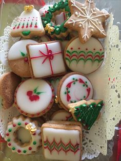 Ideas for do-it-yourself Christmas gifts . Ideas for do-it-yourself Christmas gifts Part 2 - Chirkun. Christmas Sugar Cookies, Christmas Sweets, Christmas Cooking, Noel Christmas, Christmas Goodies, Gingerbread Cookies, Iced Cookies, Fun Cookies, Biscuit Decoration