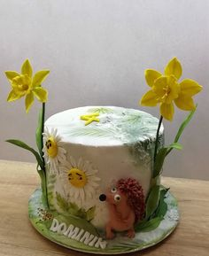 Flowers birthday - cake by babkaKatka Animal Cakes, Diy Cake, Sugar Flowers, Butter Dish, Cake Art, Cake Decorating, Sweets, Flower Cakes, Party