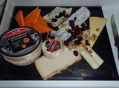 Plateau de fromages affinés http://saveursdubois.com/buffets/buffets-francais-campagnards/buffet-regional.html