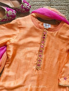Peach Mirror-work Kurta Set with Shaded Dupatta Fancy Dress Design, Stylish Dress Designs, Designs For Dresses, Beautiful Pakistani Dresses, Pakistani Dresses Casual, Pakistani Dress Design, Neck Designs For Suits, Dress Neck Designs, Kurti Embroidery Design