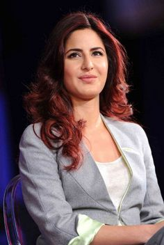 Katrina Kaif spoke to Karan Thapar in a very interesting interview at the 'India Today Conclave Among many things, Katrina spoke of how she ca. Katrina Kaif Navel, Katrina Kaif Hot Pics, Katrina Kaif Images, Katrina Kaif Photo, Katrina Kaif Wallpapers, Beautiful Bollywood Actress, Most Beautiful Indian Actress, Beautiful Actresses, Indian Celebrities