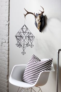 Perfect way to incorporate my love of animal skulls into the home!