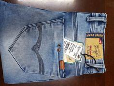 Pin by real spirit on real spirit джинсы Denim Jeans Men, Boys Jeans, True Jeans, Mens Fashion Blazer, Jeans Brands, Fendi, Spirit, Mens Jeans Outfit, Men's Pants
