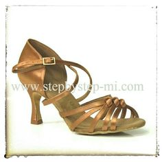 Sandalo in raso bronzo con listini #scarpedaballo #stepbystep #danceshoes #sandali #sandal #salsa #bachata #tango