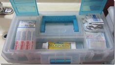 valise de premiers soins dans boîte à brico