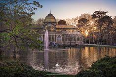 Crystal Palace Madrid, Skyline, Taj Mahal, Around The Worlds, Fantasy, Mansions, House Styles, Book, Building