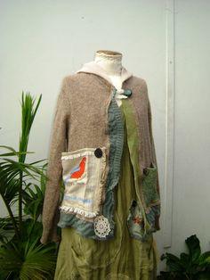 forest flying fox vintage hand knit warm winter wonderland hood and pockets lucyvnz