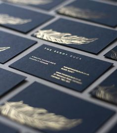 Embossed Business Cards, Foil Business Cards, Fashion Business Cards, Business Cards Layout, Luxury Business Cards, Elegant Business Cards, Creative Business Cards, Beauty Business Cards, Gold Business Card