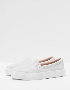 Item: slip-on sneakers, white, fake snake - Bershka Portugal