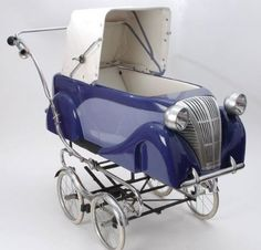 Let your baby travel in style with this baby stroller that looks like a classic car.