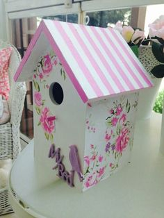 Wooden Bird Houses, Bird Houses Painted, Decorative Bird Houses, Bird Houses Diy, Birdhouse Craft, Birdhouse Designs, Diy Arts And Crafts, Home Crafts, Painted Clay Pots
