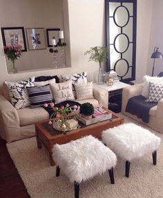 Who says a small space cannot be stylish, well take a look at this...it is gorgeously decored.