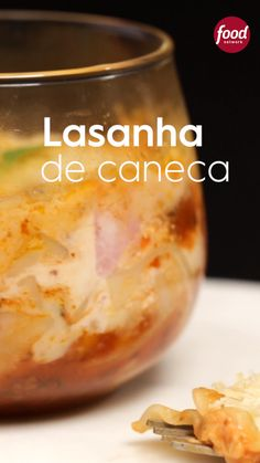 Receita de lasanha bolonhesa clássica só que feita na caneca. Super fácil, rápida de fazer e fica uma delícia. Food Network Recipes, Cooking Recipes, Nutritional Yeast Recipes, Good Food, Yummy Food, Diy Food, Clean Eating Snacks, Food Videos, Food Porn