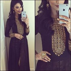 #Buyonlinewesterndress #Designerwesternwesronline #Westerndresslong #Onlinewesterndressshopping Maharani Designer Boutique To buy it click on this link : http://maharanidesigner.com/Anarkali-Dresses-Online/pajami-suits-online/ Rs-8100. Fabric-Georgette. Hand work. For any more information contact on WhatsApp or call 8699101094 Website www.maharanidesigner.com Maharani Designer Boutique's photo