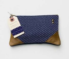 I'm a little bit obsessed with this zipper pouch :)