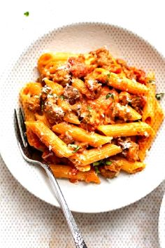 #weeknight #tomatoes #amazing #italian #sausage #ground #dinner #garlic #recipe #makes #diced #pasta #cream #spicy ... Italian Sausage Pasta, Tomatoes, Macaroni And Cheese, Spicy, Garlic, Cream, Dinner, Amazing, Ethnic Recipes