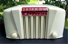 1947 Majestic Model 52 Bakelite Radio