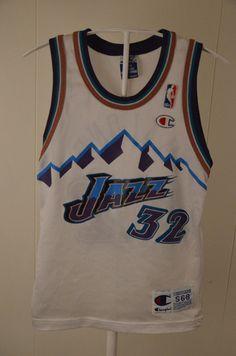 Vintage Champion Utah Jazz replica NBA Jersey  32 Karl Malone Kids Small 6-  8 Wh  Champion  UtahJazz 3f055b38f