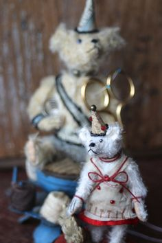 …artful heirloom teddy bears, these one-of-a-kind mohair creations by artist Letty Worley is available exclusively at http://www.earthangelsstudios.com/Letty-Worley--C56.aspx