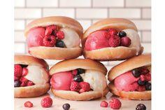 クリスピークリームドーナツに初のアイスサンドイッチクール クリスピー サンドが登場