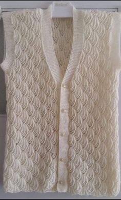 Vita's media content and analytics Ladies Cardigan Knitting Patterns, Lace Knitting Stitches, Easy Knitting Patterns, Knitting Designs, Baby Knitting, Crochet Tunic Pattern, Cardigan Pattern, Beginner Knit Scarf, Diy Crafts Knitting