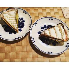 銀座ウエストのケーキ。ゴルゴンゾーラクリームのレモンパイは、さっぱりとして後味でふわっとチーズの香り。さつまいものキャラメルパイは餡の部分が濃厚で最高。シンプルで軽やか、生クリームがうまいよ。また買いたい…が、生ケーキってもしかして喫茶室でしか買えない?/fyouko/2016/02/01 22:15:57