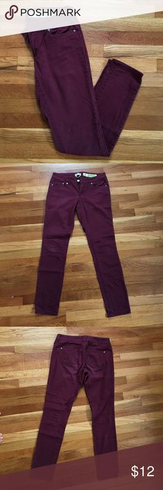 "Maroon skinny jeans Good used condition. Maroon color with some fading giving these jeans a ""lived in look"". Size 7 juniors. Fits a women's size 4/6. Jeans Skinny"
