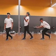 Dance Choreography Videos, Dance Videos, Music Videos, Cool Dance Moves, Lets Dance, Dance Humor, Dance Routines, Hip Hop Dance, Happy Dance