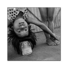 Mary Ellen Mark - Indian Circus - 401T-574-011 Mary Ellen Mark, Art Photography, Fine Art, Photographs, Photos, Acer, Portraits, Indian, Note