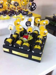 aluguel locação decoração mesa festa infantil abelhinha