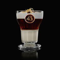 Asiatico 43, voor fans van koffielikeuren. Een cocktail geïnspireerd op het Verre Oosten. Serveer deze cocktail tijdens een relaxte maaltijd.