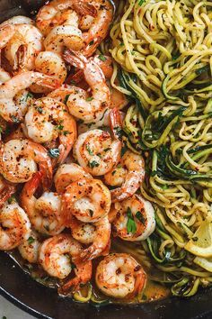 Lemon Garlic Butter Shrimp with Zucchini Noodles – This fantastic meal cooks in one skillet in just 10 minutes. Lemon Garlic Butter Shrimp with Zucchini Noodles – This fantastic meal cooks in one skillet in just 10 minutes. Fish Recipes, Seafood Recipes, Paleo Recipes, Low Carb Recipes, Dinner Recipes, Cooking Recipes, Cooking Videos, Cooking Classes, Delicious Recipes