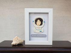 Paper cut Astronaut Girl Paper cut Portrait Home Papercut Art, Creative Bookmarks, 3d Frames, Art Cut, Frame Crafts, Toy Craft, Detail Art, Punch Art, Popup