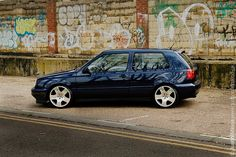 VW Gti with Audi wheels Vw Golf 3, Volkswagen Golf Mk1, Golf Mk3, Volkswagen Models, Golf Painting, Golf Carts, Classic Cars, Golf Room, Room Interior