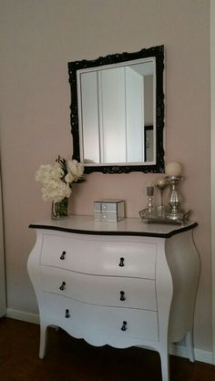 Black and White dresser Chalk paint AS