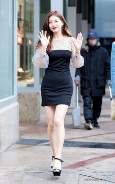 Korean Fashion Trends you can Steal – Designer Fashion Tips Suzy Bae Fashion, Kpop Fashion, Trendy Fashion, Girl Fashion, Fashion Outfits, Korean Fashion Trends, Asian Fashion, Asian Woman, Asian Girl