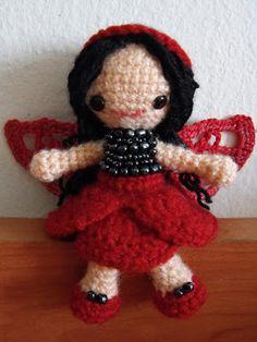 Ravelry: Hada Amapola - Poppy Faerie pattern by Irene Kiss Knitted Dolls, Crochet Dolls, Crochet Hats, Yarn Crafts, Fabric Crafts, Crochet Fairy, Crochet Ornaments, Cute Stuffed Animals, Kokeshi Dolls