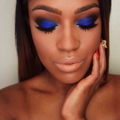Gorgeous Makeup: Tips and Tricks With Eye Makeup and Eyeshadow – Makeup Design Ideas Gorgeous Makeup, Love Makeup, Makeup Tips, Makeup Shayla, Makeup Geek, Makeup Trends, Blue Eyeshadow Looks, Blue Eyeliner, Prom Makeup