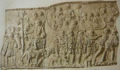 Suovetaurilia: sacrificio di un toro, un maiale e una pecora; Maestro delle imprese di Traiano; Colonna Traiana, 113 d.C.; a Roma, Foro di Traiano.